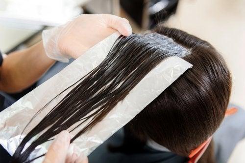 Skjønnhetstips med aluminiumsfolie for håret ditt