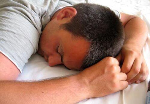 Varseltegn på kronisk utmattelse du bør kjenne til