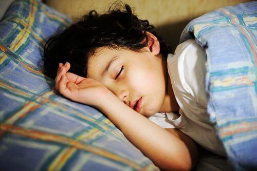 Sover ikke barnehagebarnet ditt godt? Dette kan forårsake fremtidige problemer