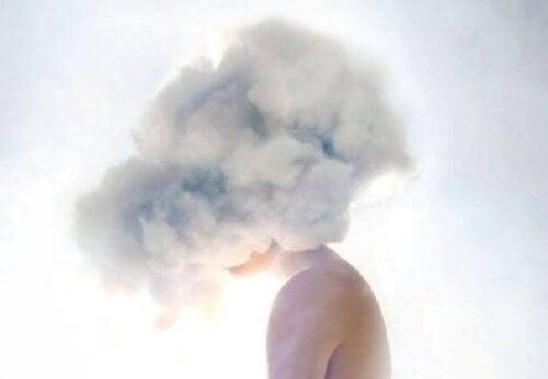 Hode av en sky