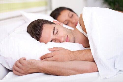 Mennesker sover for å se yngre ut