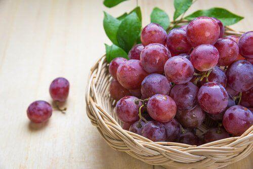5 grunner til å spise blå druer