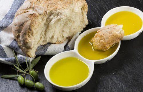 Brød med olivenolje