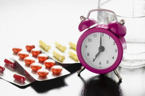 vekkerklokke og medisiner