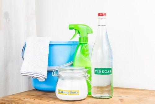 12 triks for å bli kvitt støv i hjemmet