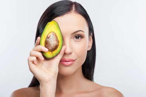 10 mirakelmatvarer som gir huden din fuktighet fra innsiden