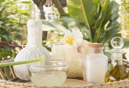 Behandling med aloe vera og kokosolje
