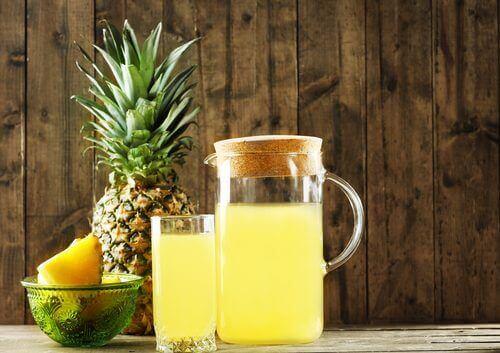 fermentert drikk av ananas