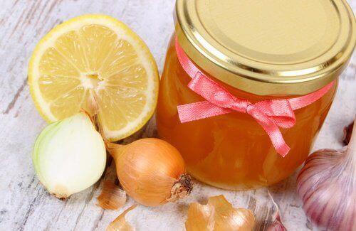 Løk, honning og sitron