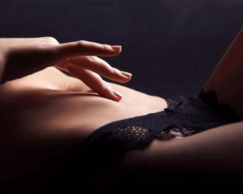 Kvinne i undertøyet