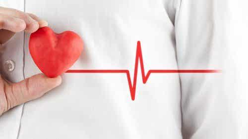 Lær å kjenne forskjellen på hjerteinfarkt og angstanfall