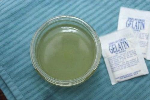 melk- og gelatinmaske for å fjerne hudormer