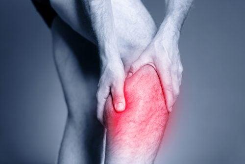 Kramper i benet