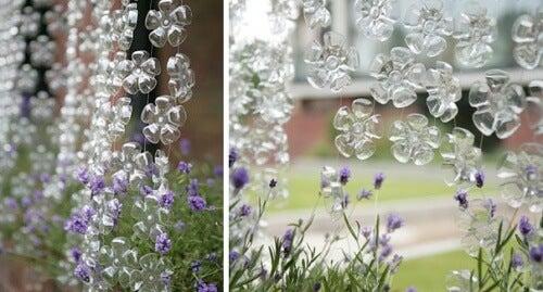 Blomstergardin av resirkulerte plastflasker