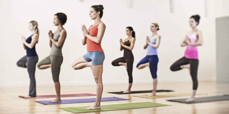 yogastillinger for å gå ned i vekt