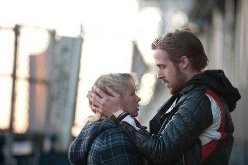 Mann og redd kvinne