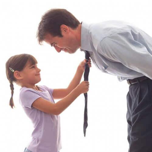 ting en far burde gjøre for å oppdra en sterk kvinne
