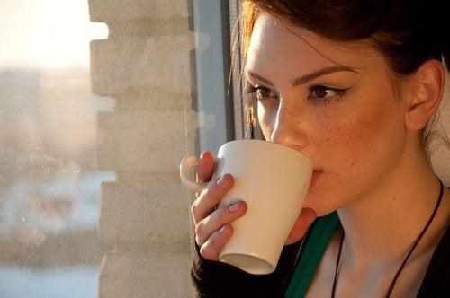 4 naturlige teer for personer med fordøyelsesproblemer