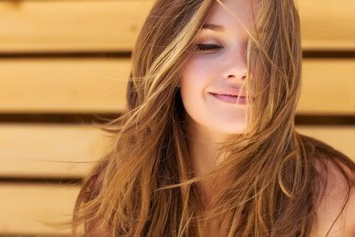 Kvinne med vakkert hår