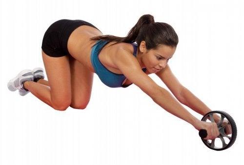 Hjul-øvelse for å bli kvitt magefettet