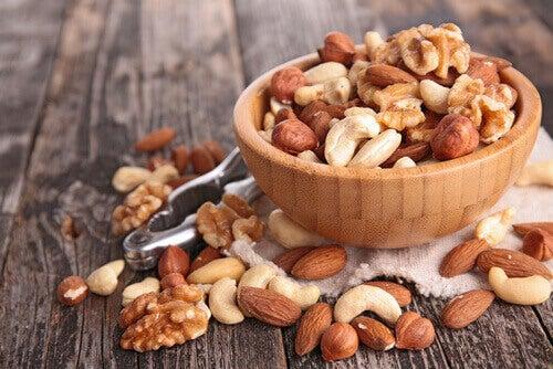 Matvarer som renser leveren, nøtter