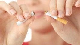 Kutt ut røyken med disse 15 psykologiske praksisene