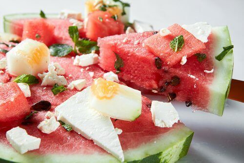 """Den """"hemmelige"""" ingrediensen i vannmelon som bidrar til å gi deg sterkere muskler"""