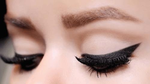 10 tips for å påføre eyeliner