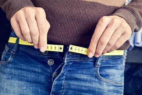 Lær om 3 enkle måter å gå ned i vekt på