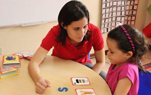 Barn og lærer