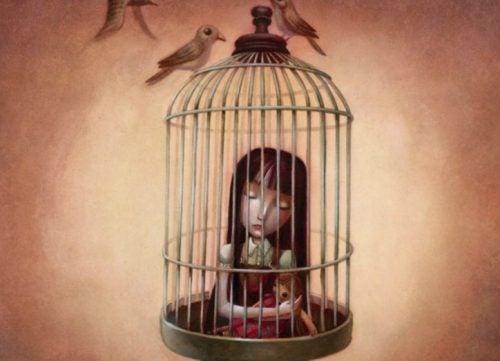 Trist jente i bur