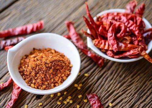 Kajennepepper og rød chili