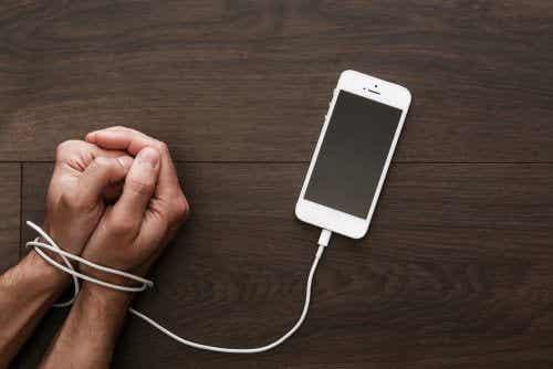 Nomofobi: Når du er helt avhengig av mobiltelefonen din