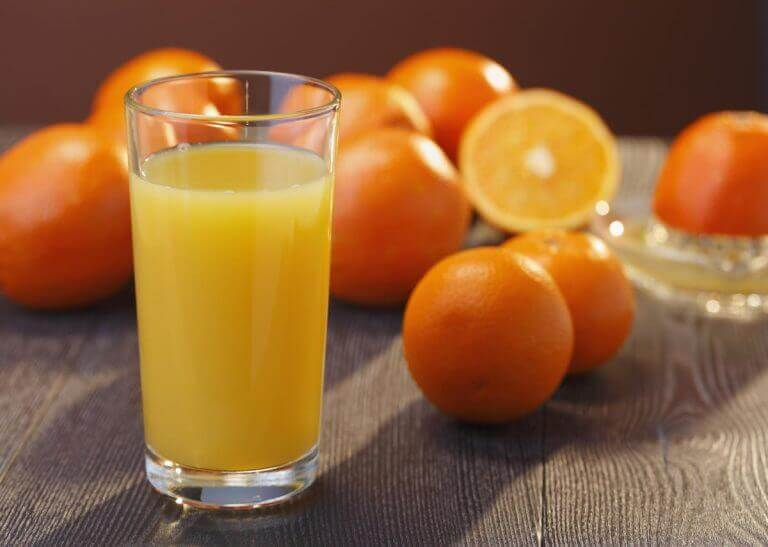Fersk appelsinjuice