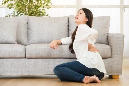 6 mulige grunner til at du har smerter i ryggen
