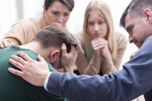 Trist mann utsatt for psykisk mishandling
