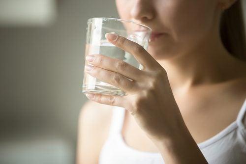 Lidelsene vi vil kunne kurere ved å drikke mer vann hver dag