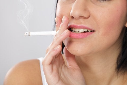 Kvinne røyking