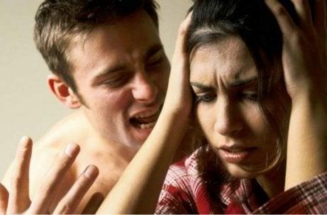 5 konsekvenser av psykisk vold du bør være oppmerksom på