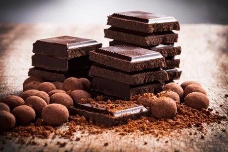 Sjokolade er ikke det beste valget for de som lider av sure oppstøt