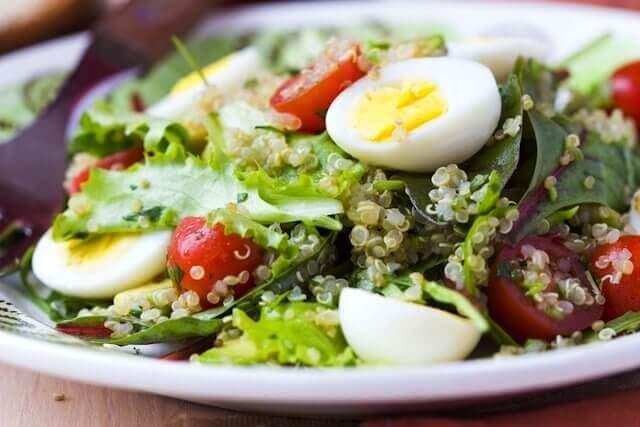 Sunn salat med egg
