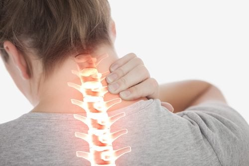 Lær å redusere nakkesmerter med 4 enkle øvelser