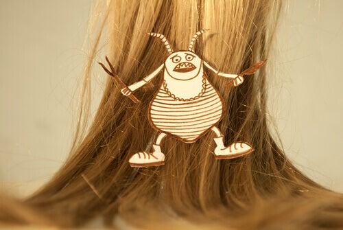 Lus i kvinnes hår