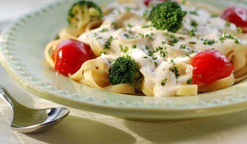 Pasta og grønnsaker