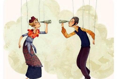 Par ser på hverandre