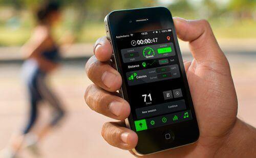 Skritteller på en mobiltelefon for å gå for å gå ned i vekt