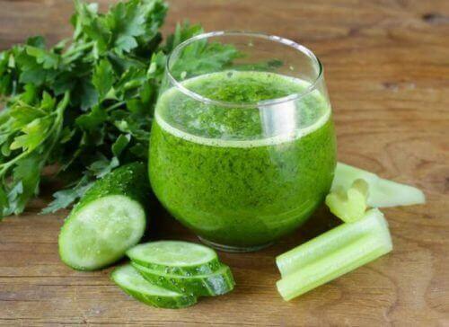 5 avgiftende agurksmoothies som du bør prøve