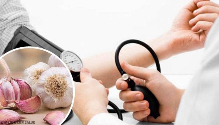 4 naturlige remedier for høyt blodtrykk