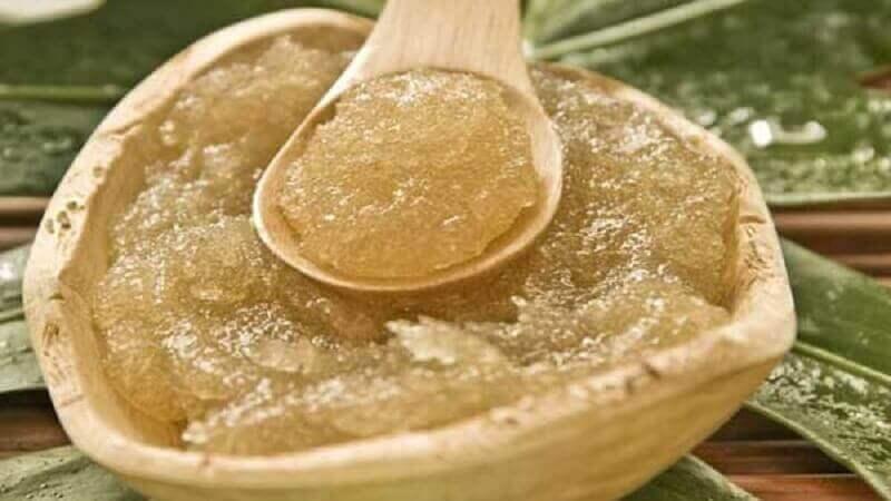 Olivenolje- og sukkerbehandling