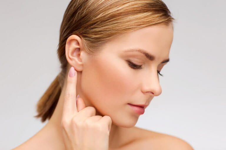 Kvinnes øre